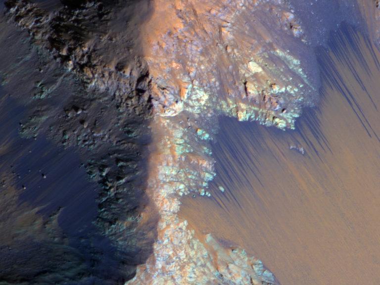 Coprates Chasma, Mars